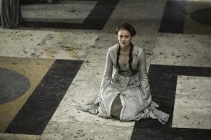 Sansa stark game of thrones floor